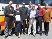 Fahrschule Smirz - Im Rahme der Aktion Safety Driver etwa 400 Lenker trainiert. Im Bild u.a. WKO-Vizepräsidentin Römer